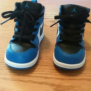 b8c3d00218da Jordan Shoes - NIKE AIR JORDAN 1 retro baby boy s shoes size 6c